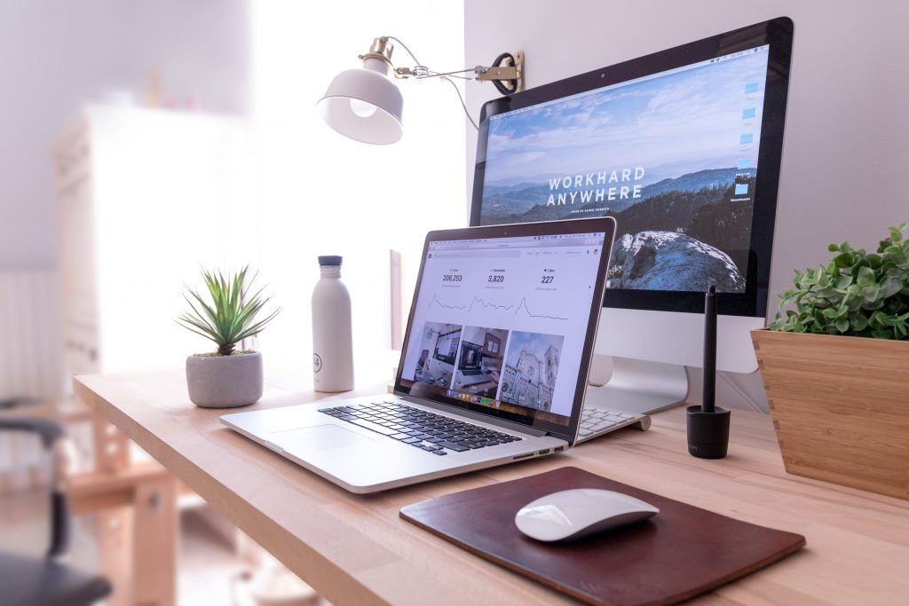 Desktop and laptop Mac computers